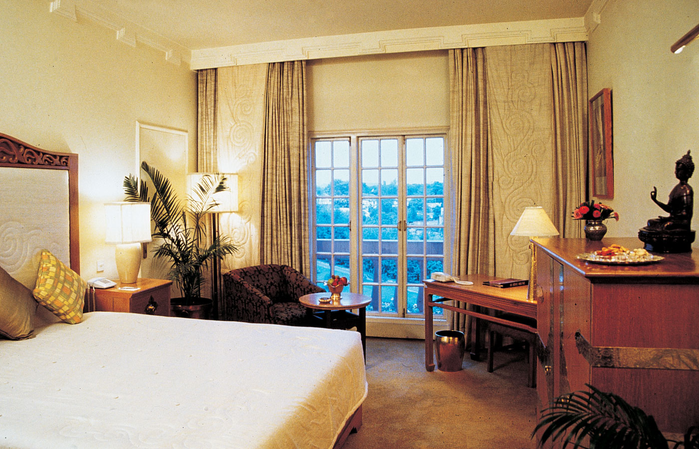 Club Shangri-La Executive Rooms